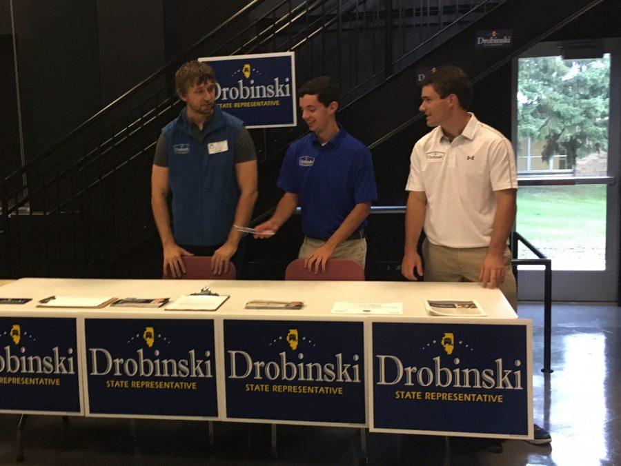 Senior+Brian+Arata+is+a+volunteer+for+Rod+Drobinski%27s+campaign