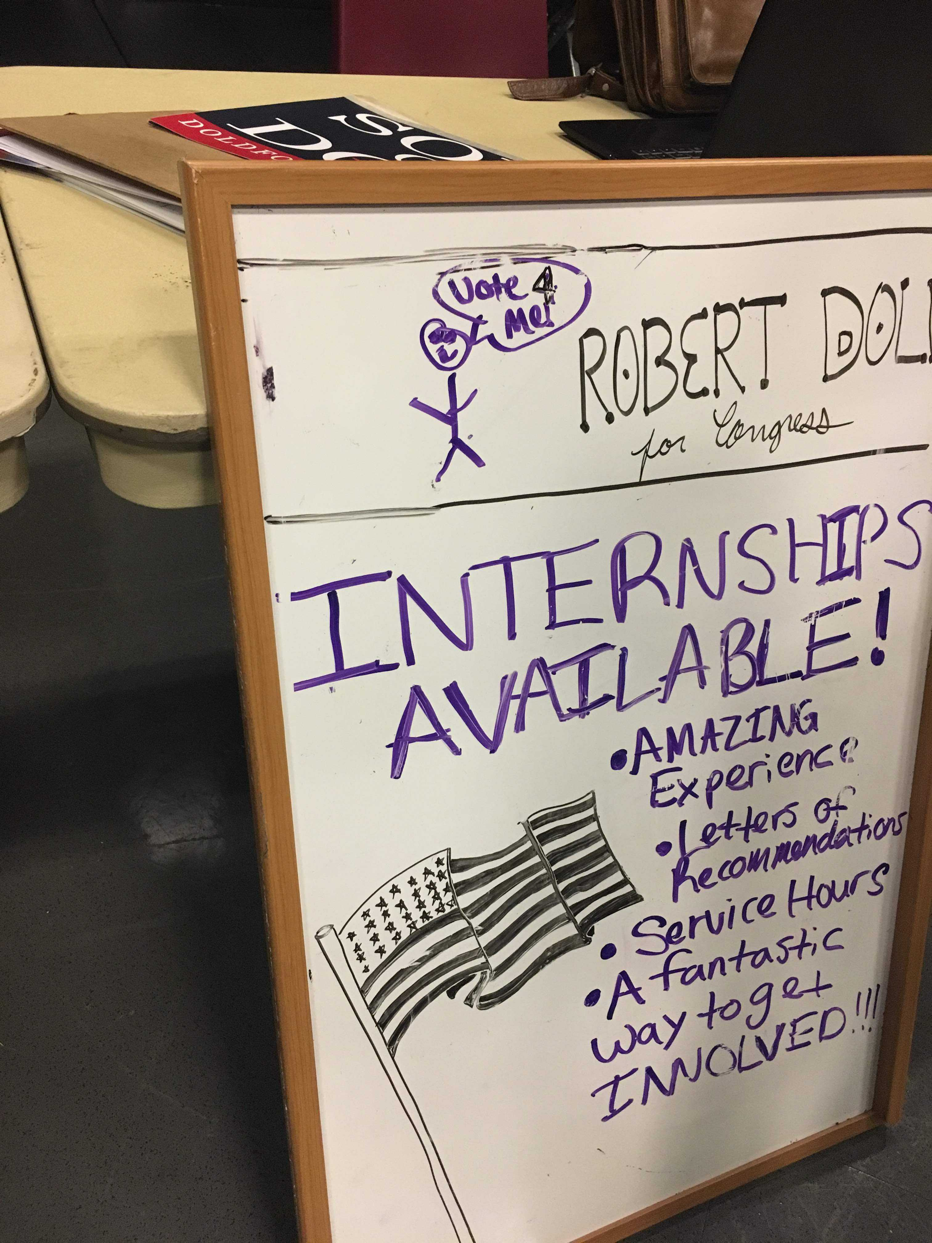 An+advertisement+for+internships+with+the++Dold+campaign.