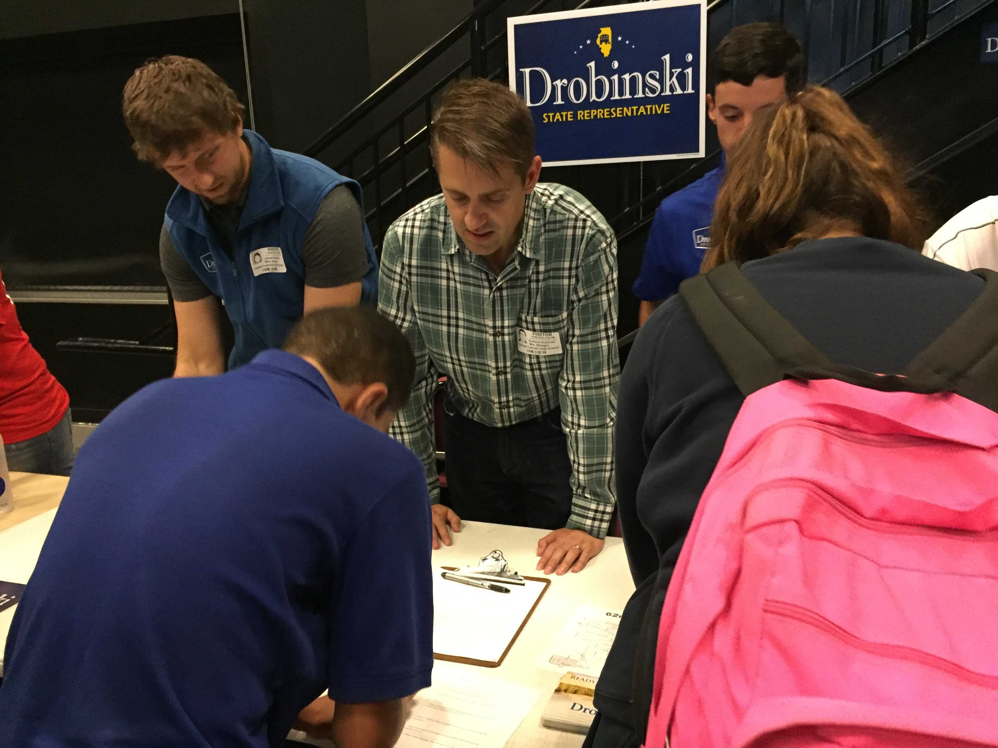 Republican+candidate+Rod+Drobinski+explains+his+positions+to+AP+government+students.